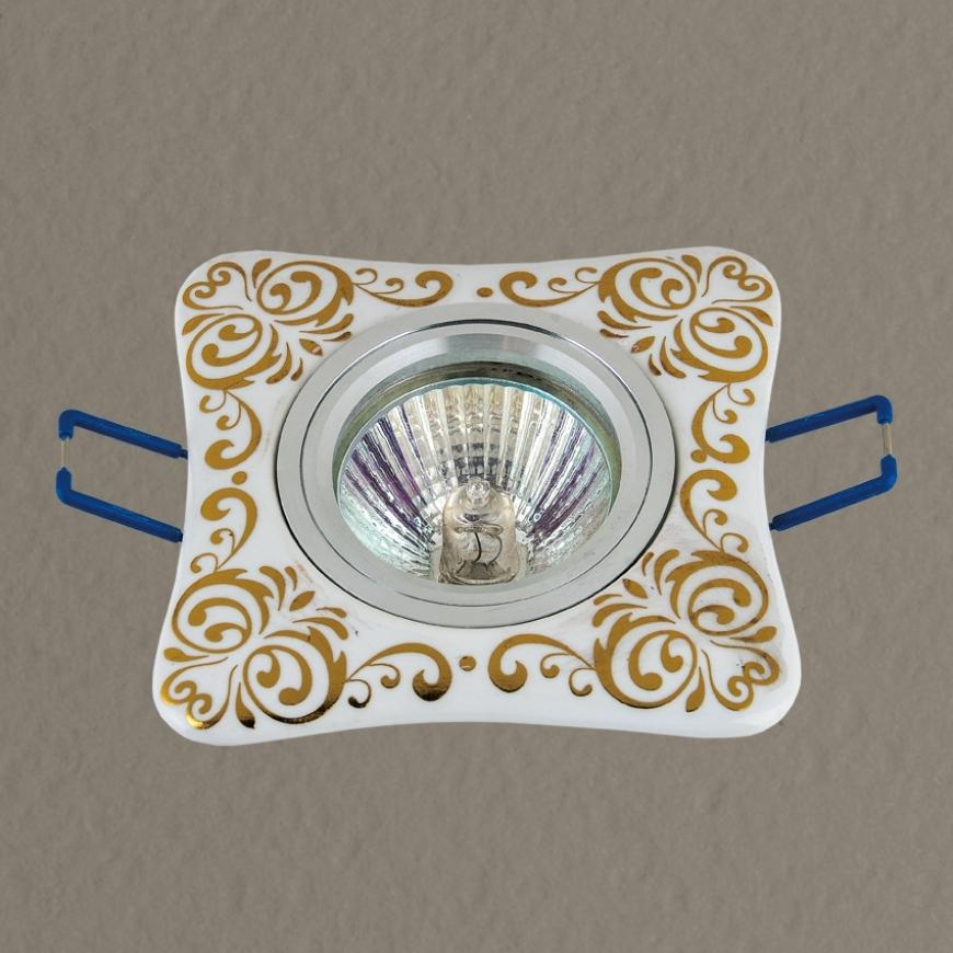 Точечный врезной светильник 70595 GD