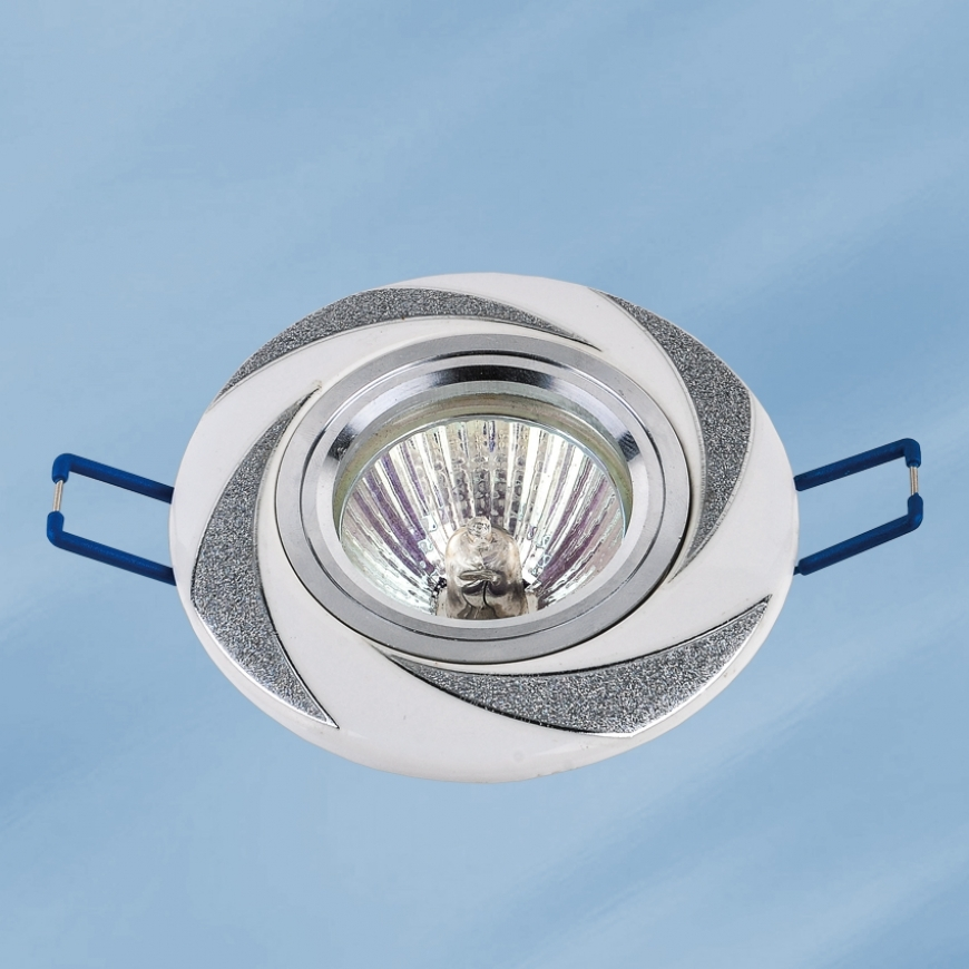 Точечный врезной светильник 70596 CR