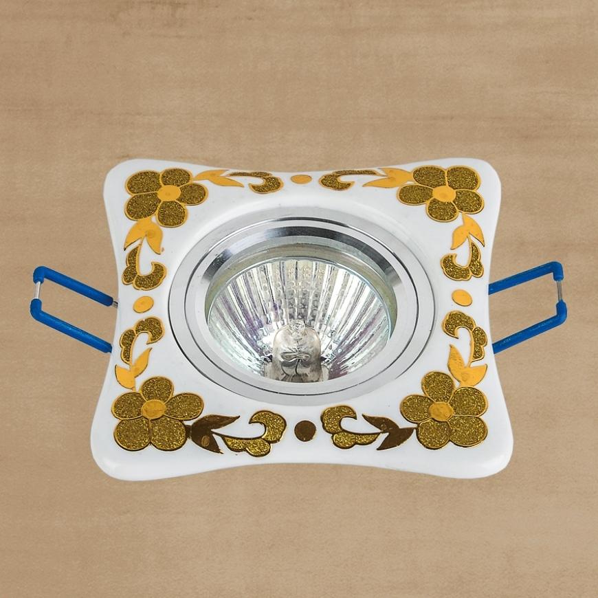 Точечный врезной светильник 70597 GD