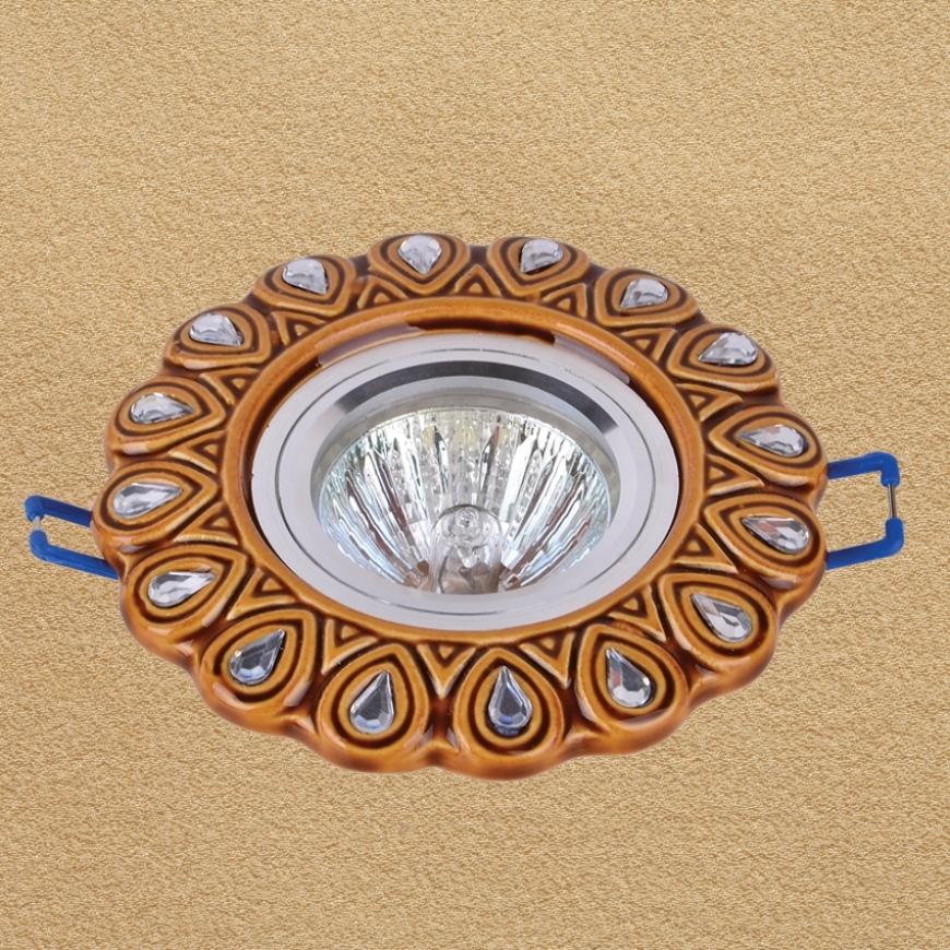 Точечный врезной светильник 705N117